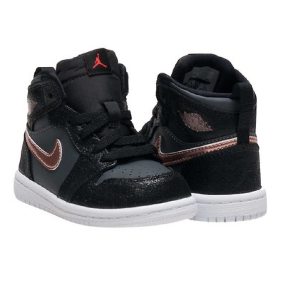 Air Jordan Other - Nike Air Jordan 1 Retro High Kids e43b9418d
